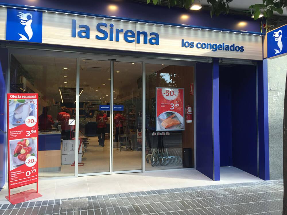 La Sirena store outside